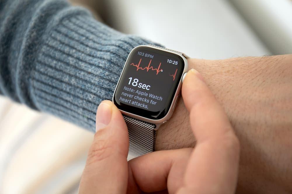 Smartwatch mit EKG-App © Denys Prykhodov, stock.adobe.com