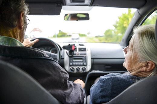 Autofahren im Alter ©  Jörn Buchheim, fotolia.com