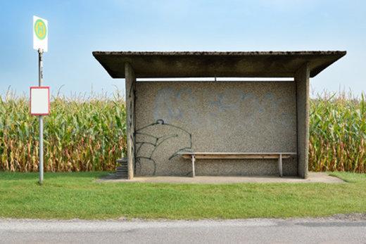 Bushaltestelle auf dem Land © noxmox, fotolia.com