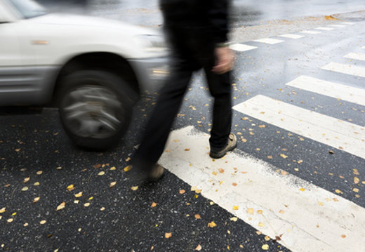 Fußgänger sind im Verkehr besonders gefärdet © Pink Badger, fotolia.com