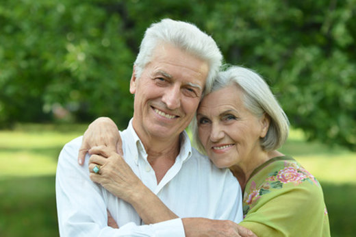 Glückliche Senioren  © aletia2011, fotolia.com