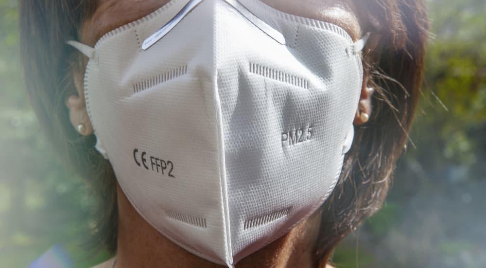 Mund-Nasen-Schutz Maske FFP2 © PixelboxStockFootage, stock.adobe.com