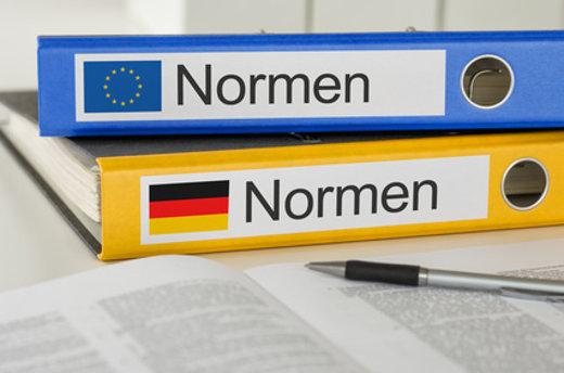 Normen und Rechtliche Fragen © zerbor, fotolia.com