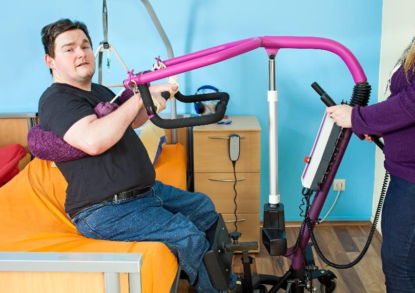 Patientenlifter © belahoche, stock.adobe.com