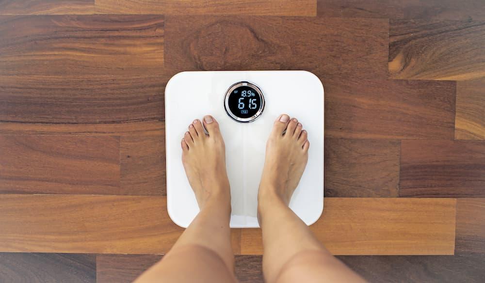 Digitale Personenwaage mit Körperfettmessung © MyriamB, stock.adobe.com