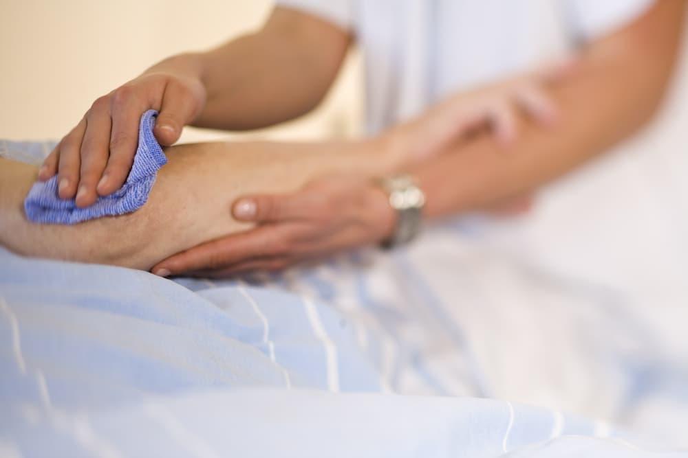 Es wird geholfen beim Waschen und der tägliche Hygiene © leno2010, stock.adobe.com