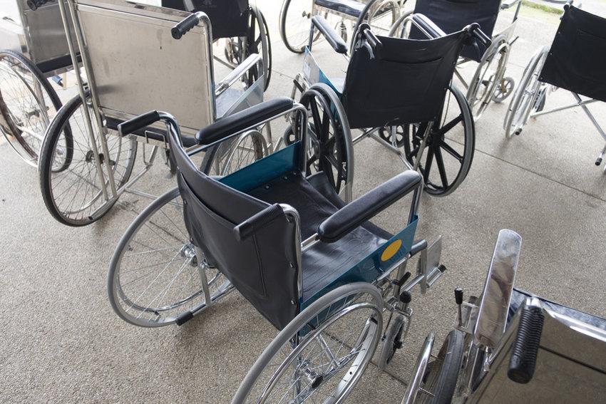 Verschiedene Rollstühle © sucharn, fotolia.com