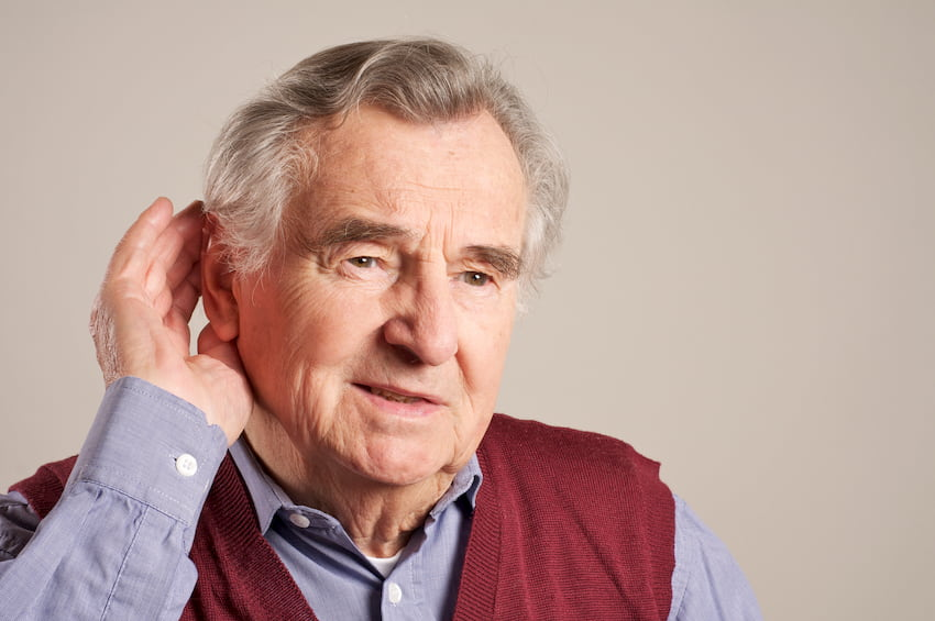 Gegen Schwerhörigkeit helfen die verschiedensten Hörhilfen © Peter Maszlen, stock.adobe.com