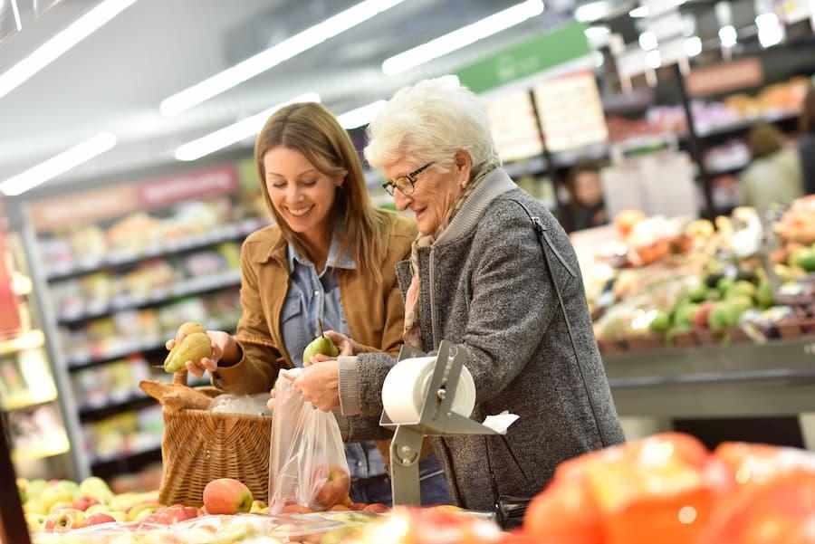Hilfe im Supermarkt © goodluz, stock.adobe.com
