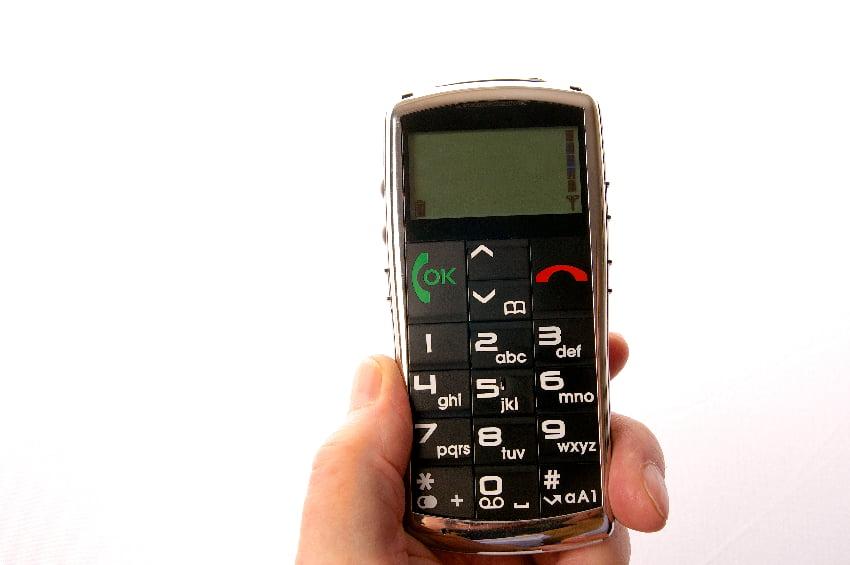 Senioren Mobiltelefon © Peter Maszlen, stock-adobe.com