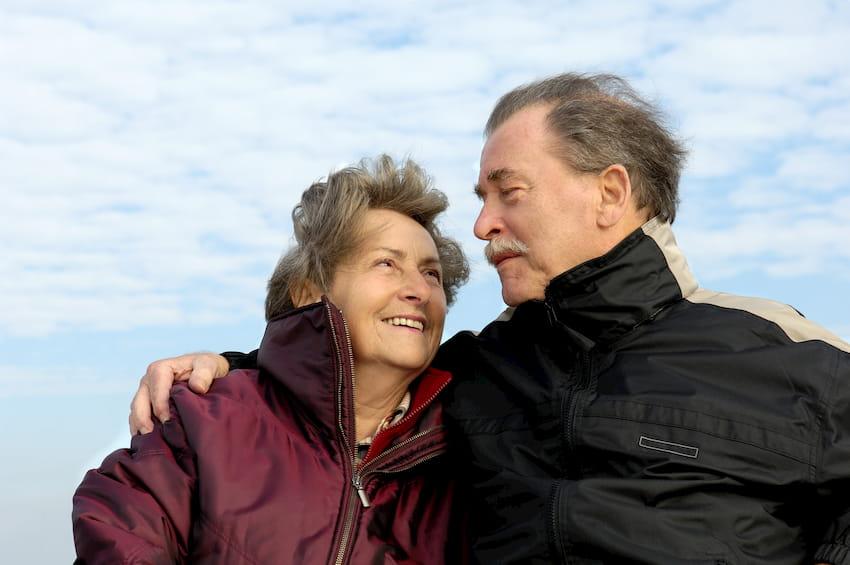 Glückliches Senioren-Paar © Alterfalter, stock.adobe.com