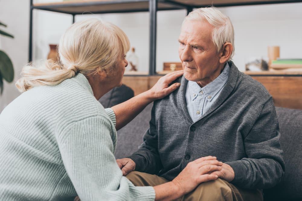 Senioren achten aufeinander © LIGHTFIELD STUDIOS, stock.adobe.com