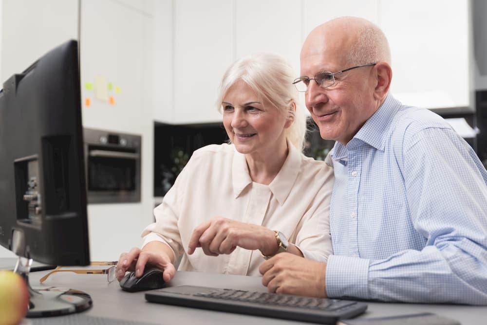 Senioren am PC © Proxima Studio, stock.adobe.com