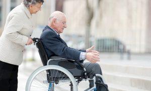 Zusatzantriebe und Schiebehilfen für Rollstühle