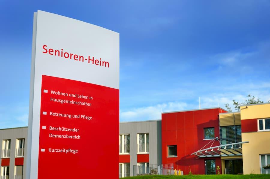 Seniorenheim © petair, stock.adobe.com