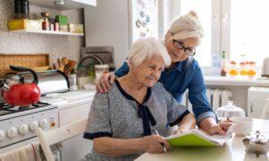Alltags-Tipps und Kurse für pflegende Angehörige