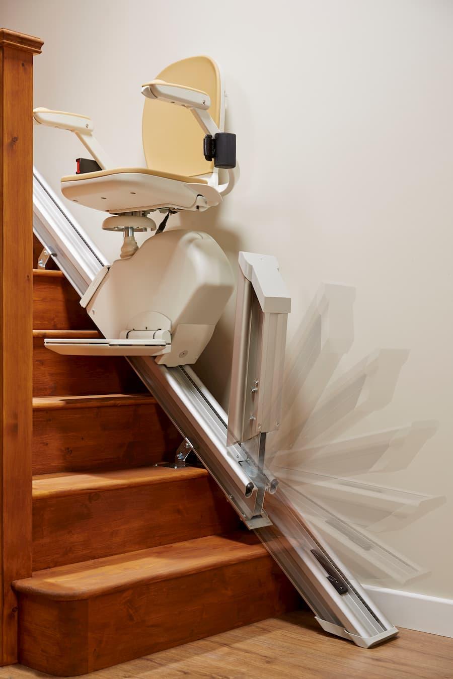Treppenlift für gerade Treppen © Acorn Treppenlifte